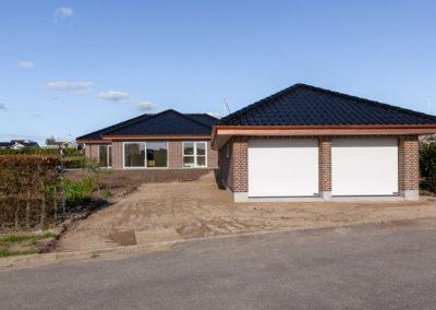 Hus-og-garage